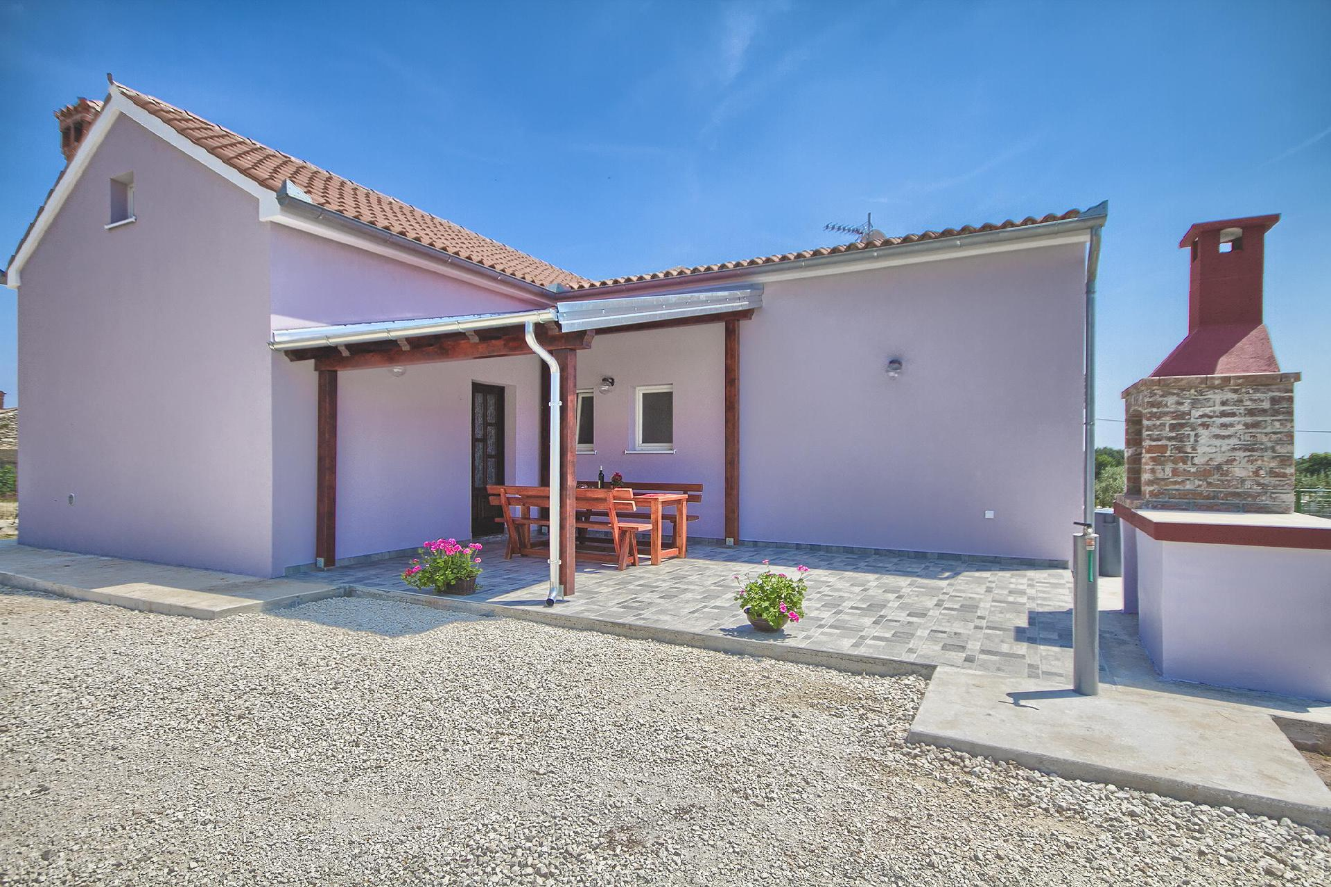 Ruhig gelegenes, komfortables Ferienhaus mit zwei   in Kroatien
