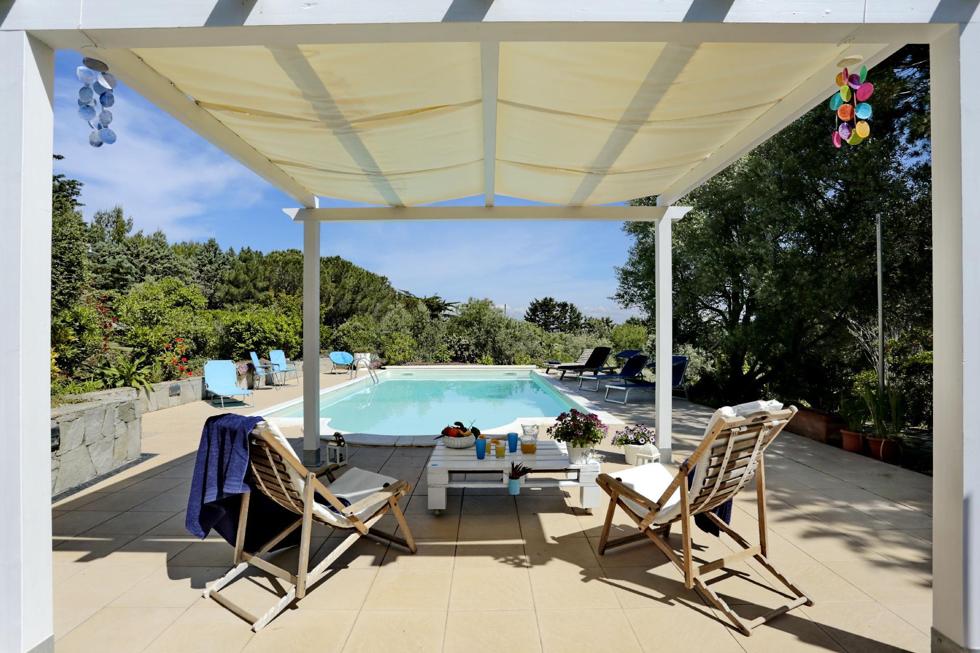 Ferienhaus mit Privatpool für 2 Personen  + 2