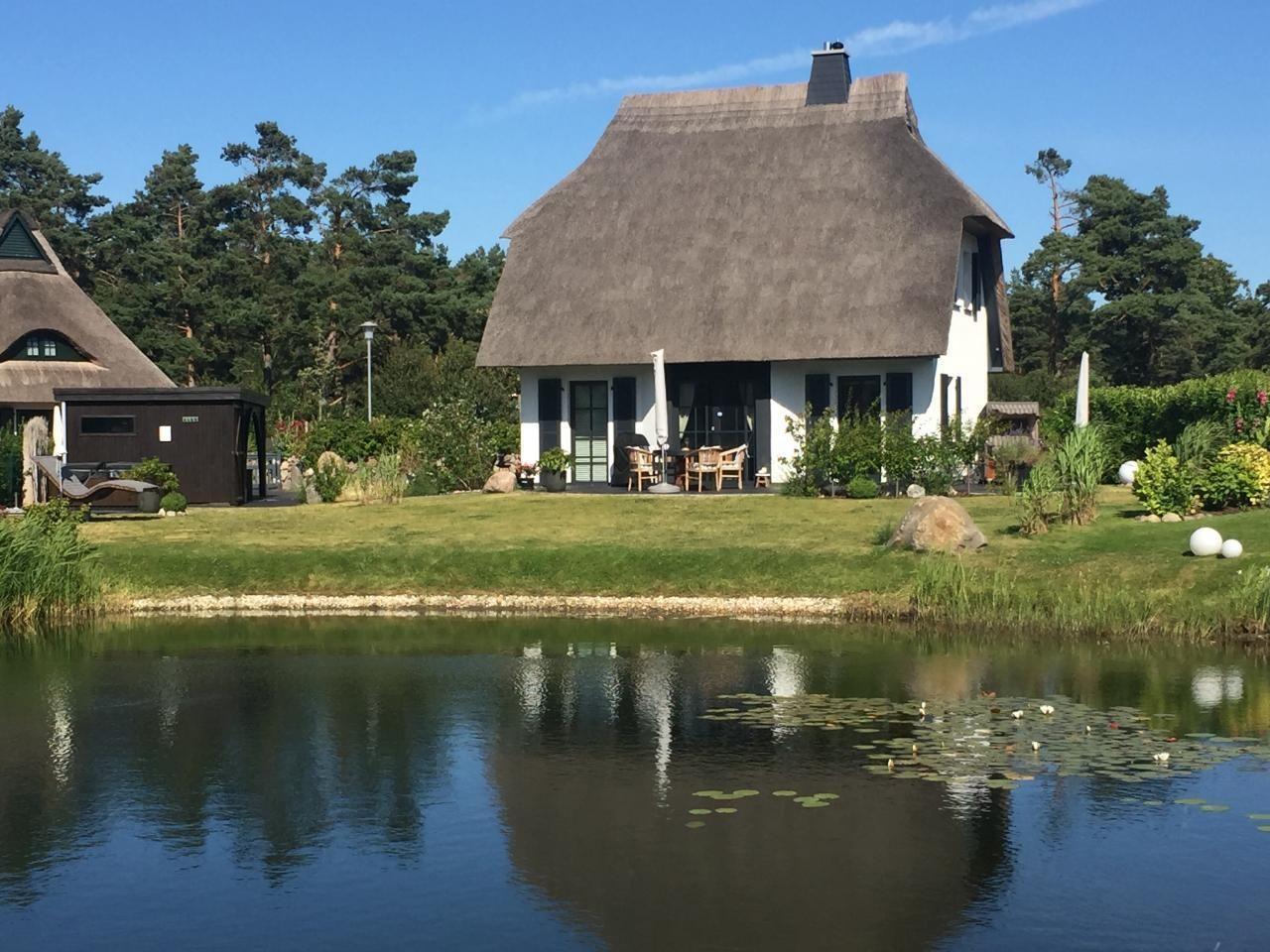 Traumhaftes 5***** Reetdachhaus in Sonnenlage am W   Fischland Darß Zingst