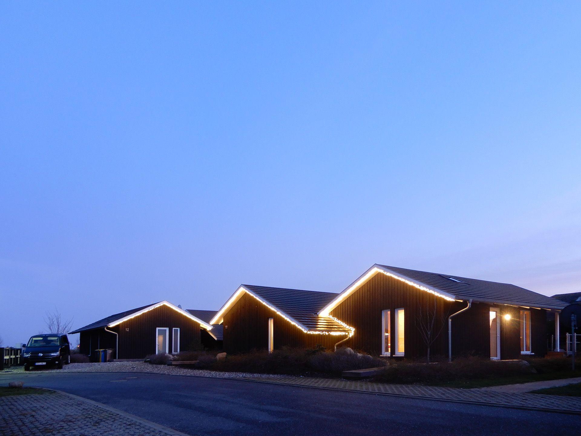 """Schwarzes Holzferienhaus """"Sonneneck"""" - m Ferienpark in Deutschland"""