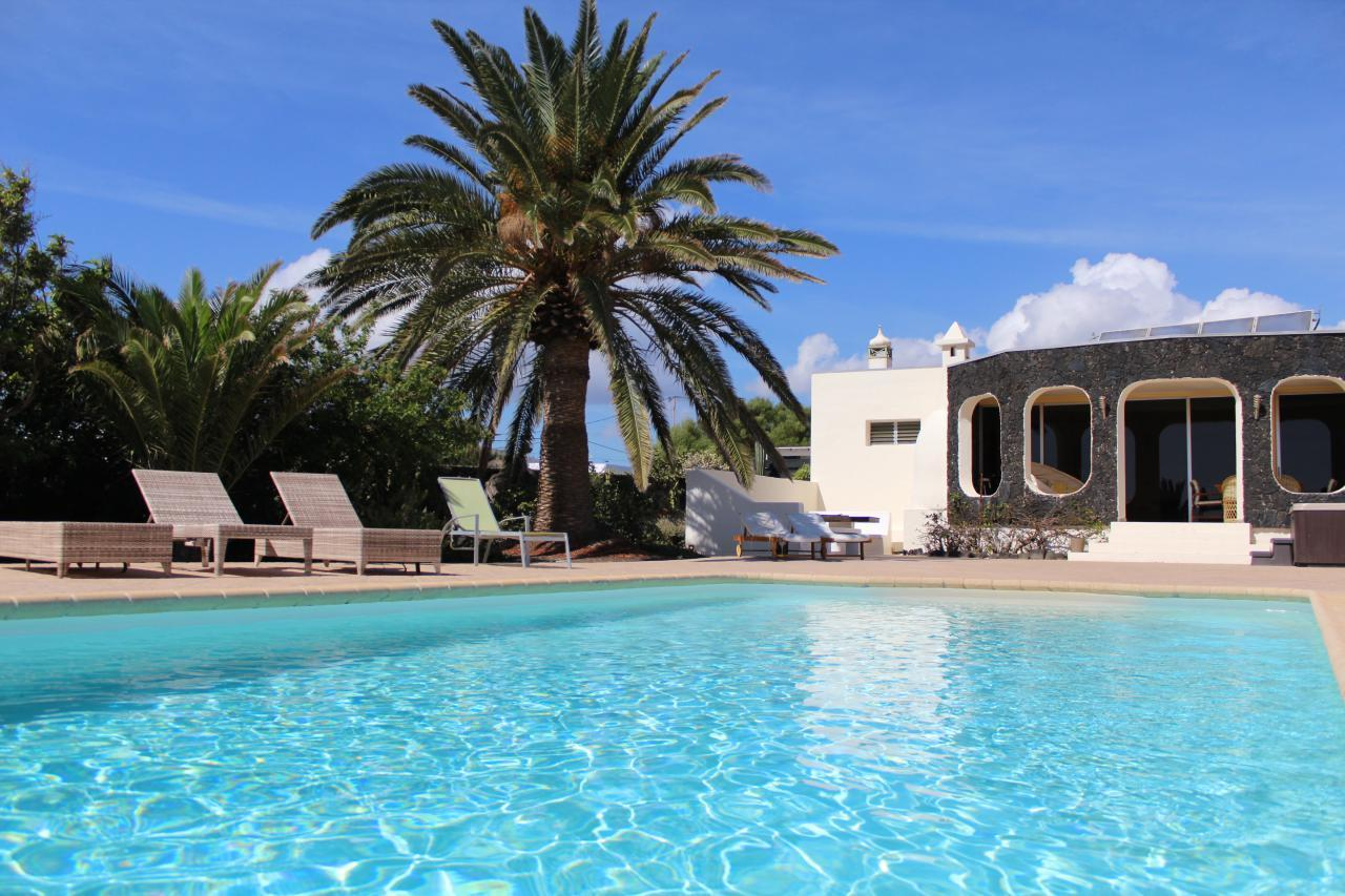 Villa - Ferienhaus Finca Sin Pena mit privatem Poo   Lanzarote