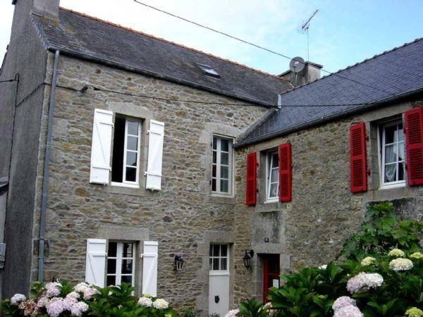 Großes bretonisches Ferienhaus im Ortskern m  in Frankreich