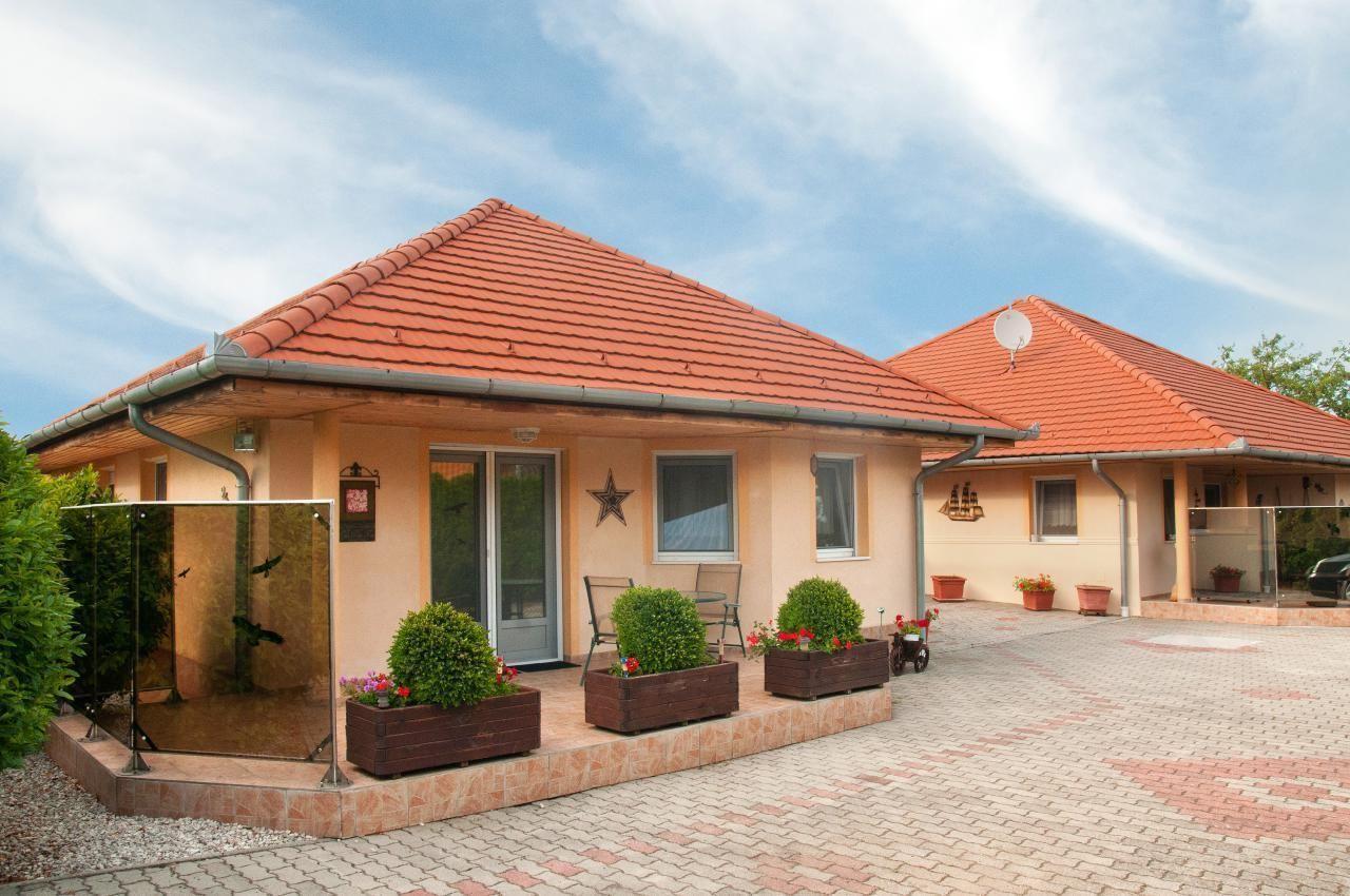 """Hochwertiges Ferienhaus  """"Sonnenschein""""  Ferienpark in Ungarn"""