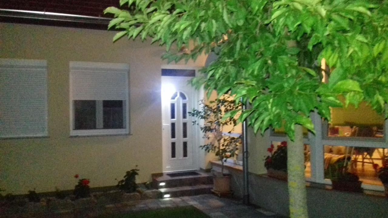 Klimatisiertes Apartment im Parterre in Bad  B&uum  in Ungarn