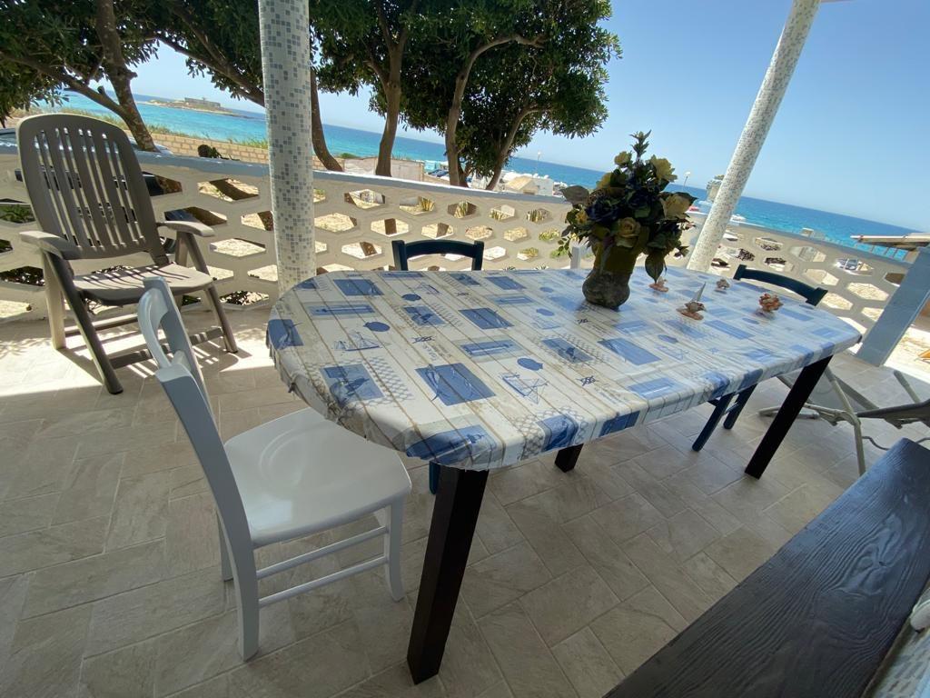 Villa Fascinosa mit Meerblick und 50 mt zum Strand  in Italien