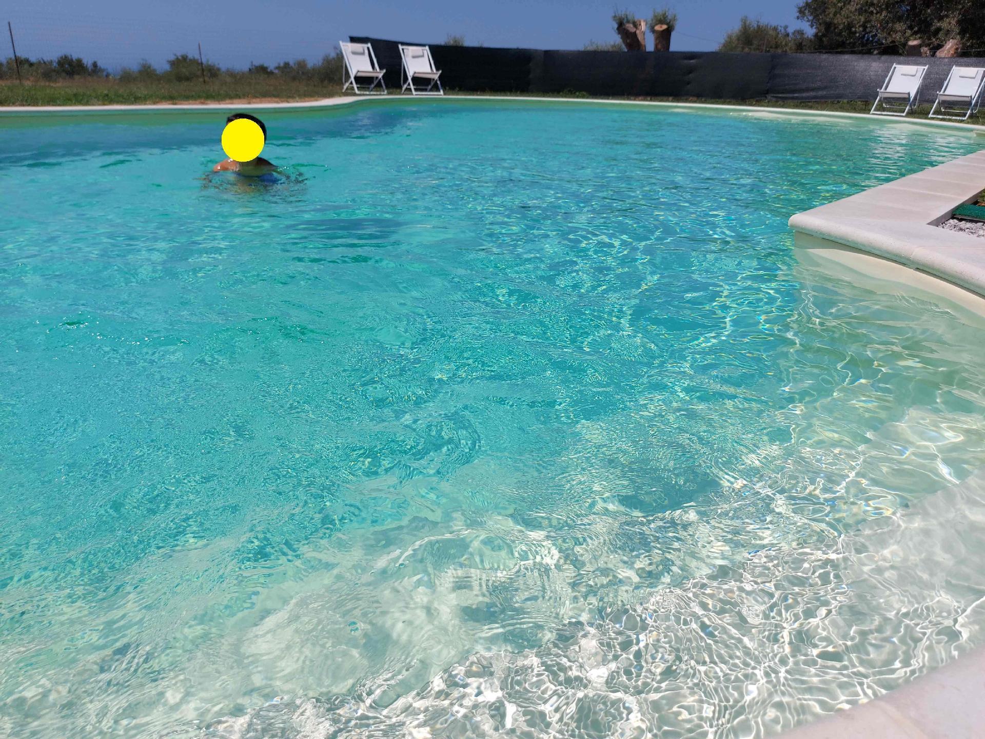Unabhängige Villa mit Gartenpool Nahe dem Mee