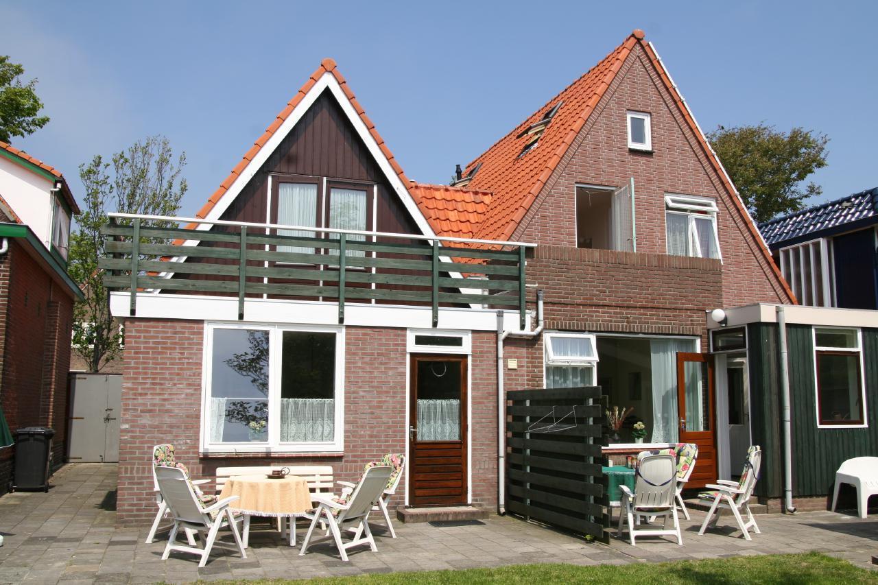 Comfortabel vakantiehuis voor 6 personen in de buu  in den Niederlande