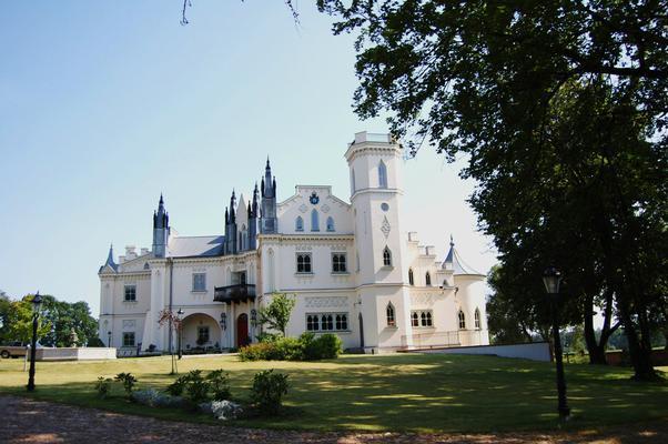 Patrykozy Schloss Besondere Immobilie in Polen
