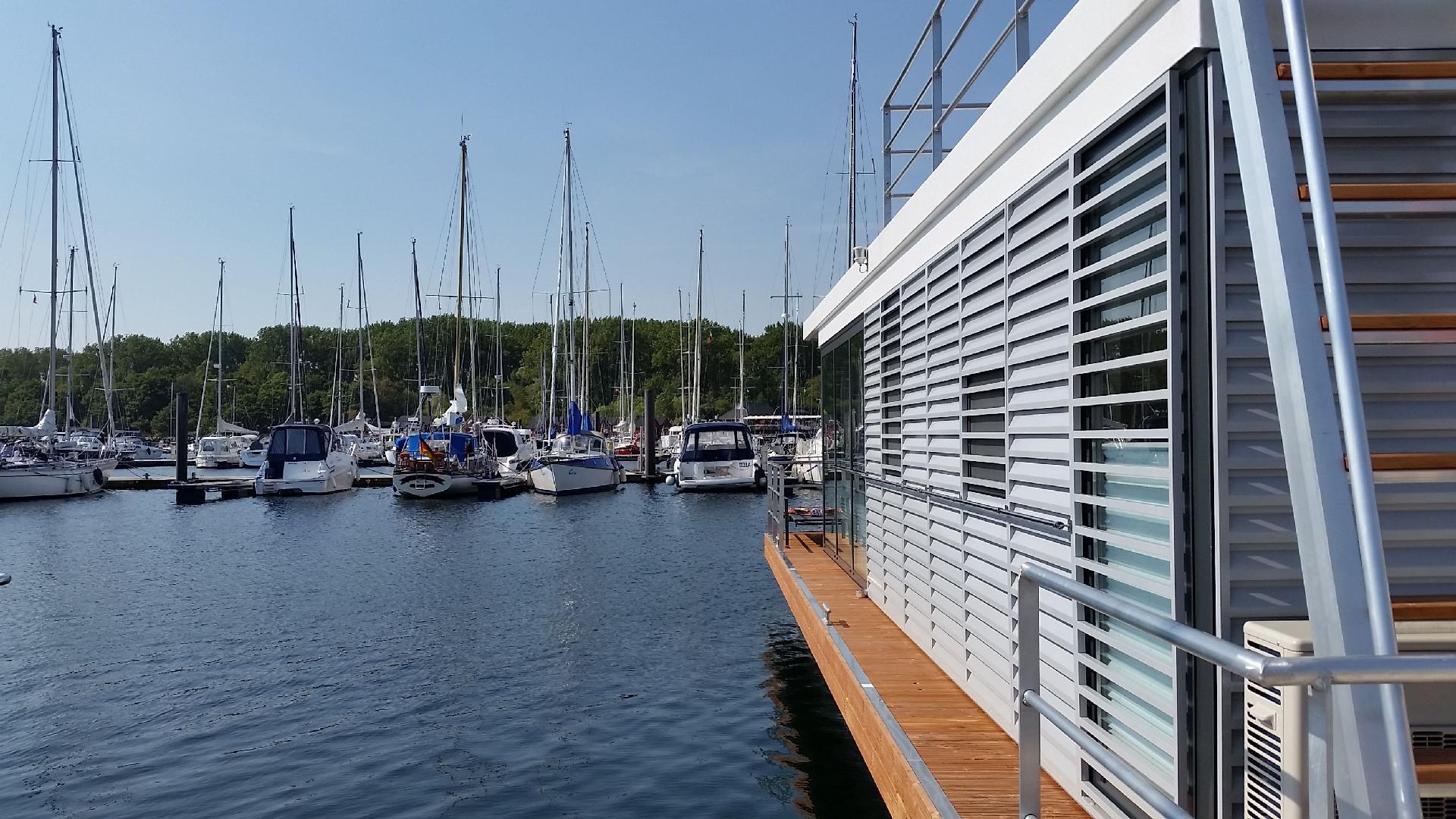 Hausboot/ Schiff für 6 Personen ca. 44 m² Boot in Deutschland