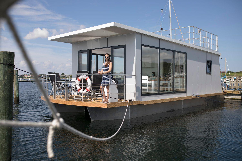 Hausboot/ Schiff für 3 Personen  + 1 Kind ca. Boot