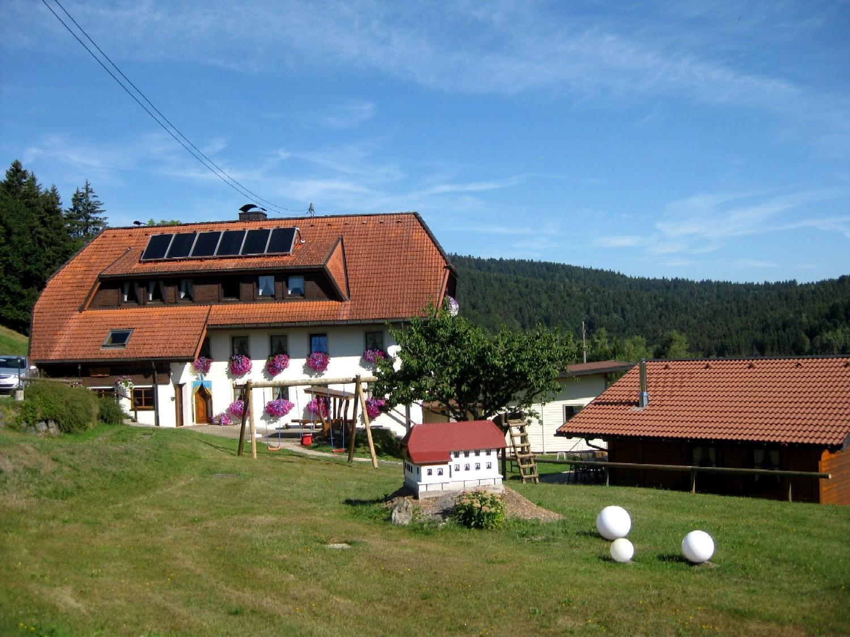 Mitten im Naturpark Südschwarzwald liegt frei