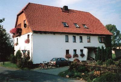 Zimmer im Nachbargebäude mit Doppel- und Etag  in Sachsen
