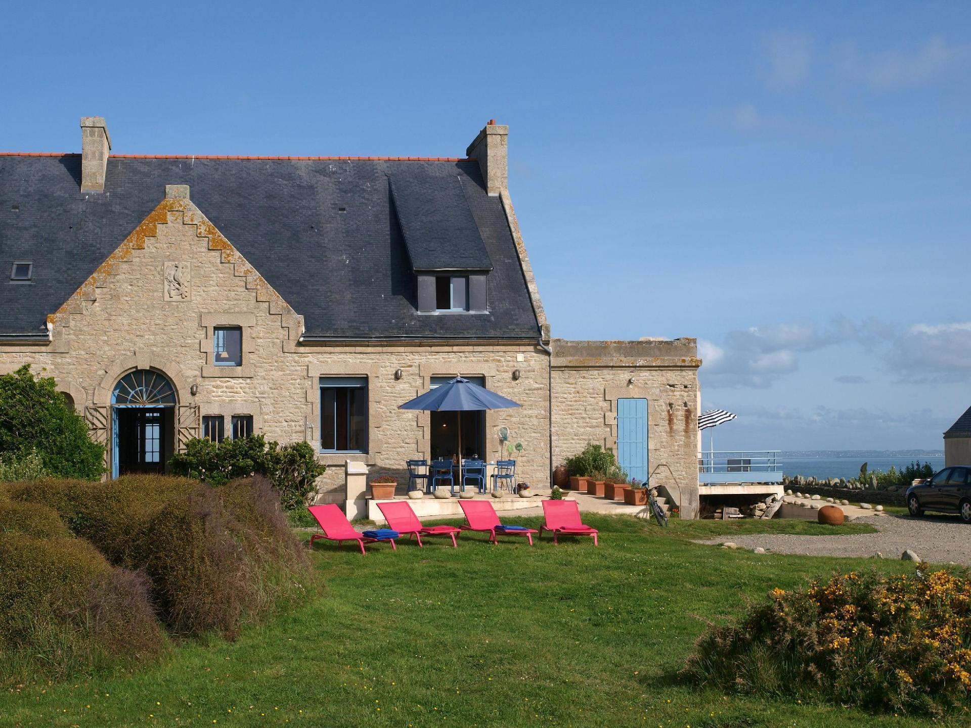 Ferienhaus mit zwei Terrassen, ideal für f&uu  in Frankreich