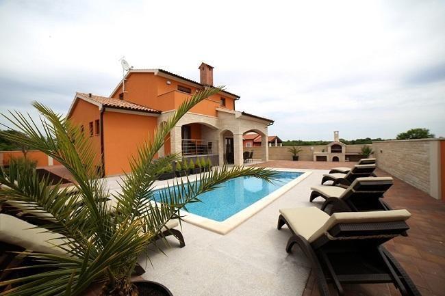 Ferienhaus für 8 Personen ca. 350 m² in   in Kroatien